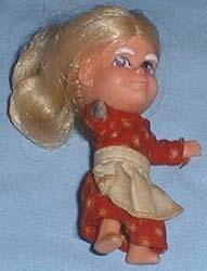 8701 Hasbro Storykins Mother Hubbard doll 1967